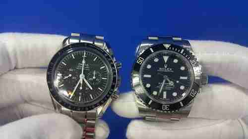 Omega Speedmaster vs Rolex Submariner Review