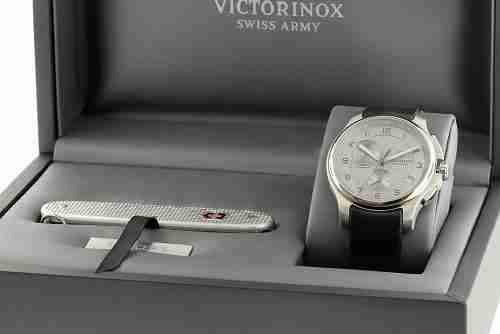 Victorinox Watches Review_Swiss Knife
